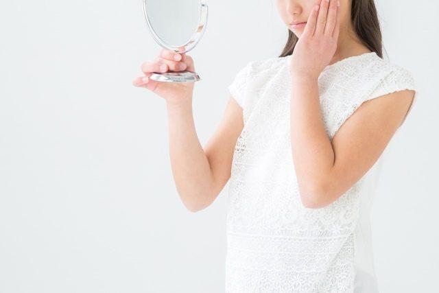 女性のヒゲ処理濃くなるのはどうして?