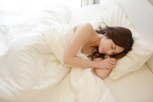 まつ毛を増やす方法があります 睡眠