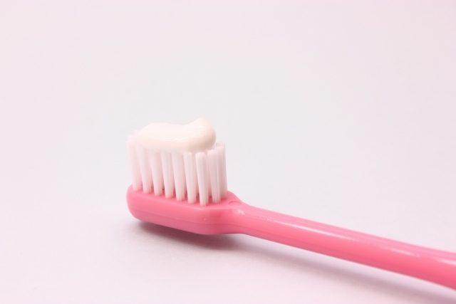 歯磨き粉の使用期限をチェックします